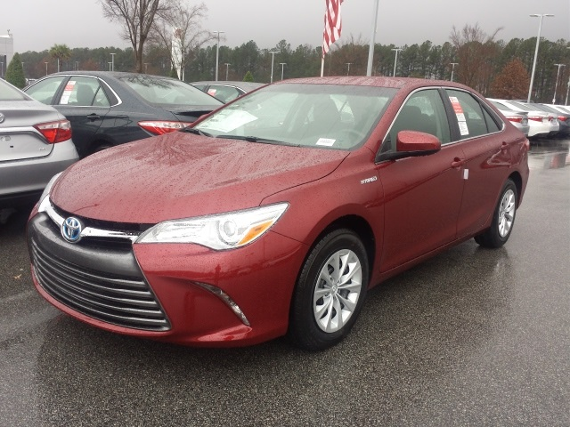 new 2017 toyota camry hybrid le 4d sedan in columbia 179162 dick dyer toyota. Black Bedroom Furniture Sets. Home Design Ideas